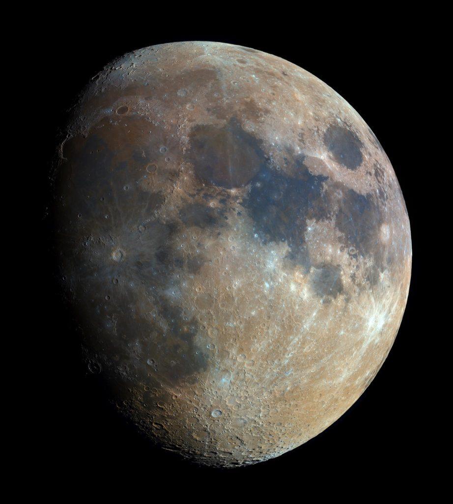 Podróż wokół Księżyca z Planetarium Śląskim