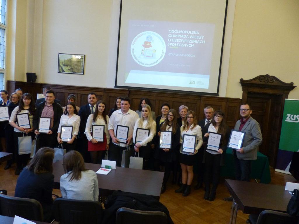 Uczniowie z Chorzowa najlepsi w olimpiadzie wojewódzkiej o ubezpieczeniach społecznych